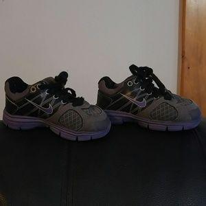 Toddler Nike glide 2 sneakers